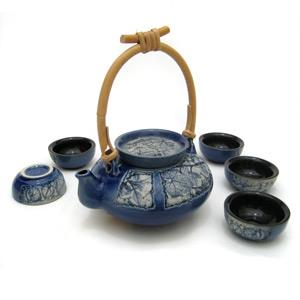 Tea Set with 1 Tea Pot and 5 Cups - Leaves Design